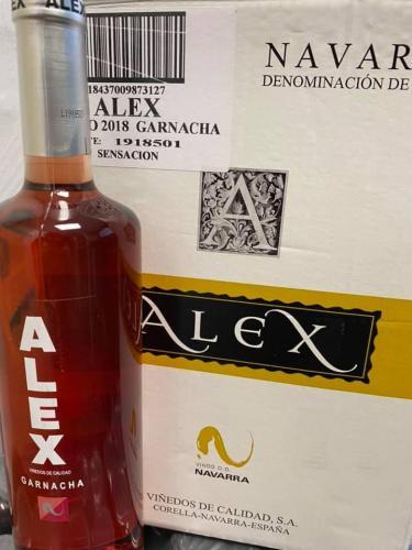 """Vino rosado """"Alex"""""""